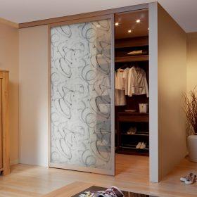 Porte de séparation de pièce avec du tissu entre 2 verres