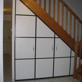 aménagement sous escalier après