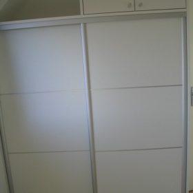 placard blanc avec baguette alu