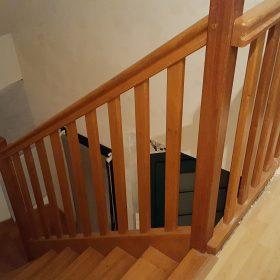 Rampe d'escalier avant